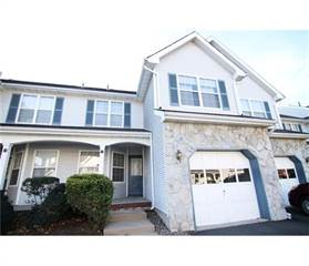 Townhouse for sale in 13 Jill Court, South Brunswick Township, NJ, 08852