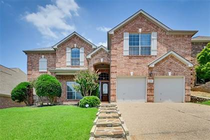 Residential for sale in 2104 Lindblad Court, Arlington, TX, 76013