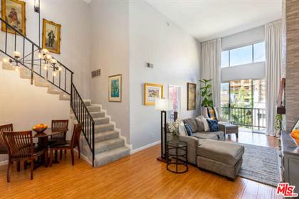 Residential Property for sale in 5051 Rosewood Ave 204, Los Angeles, CA, 90004