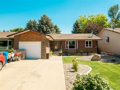 Residential Property for sale in 11 TUDOR Boulevard S, Lethbridge, Alberta, T1K 5B9