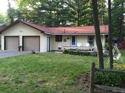 Residential for sale in 10405 W HIGGINS LAKE Drive, Roscommon, MI, 48653
