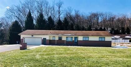 Residential for sale in 741 Country Club Drive, Newark, OH, 43055