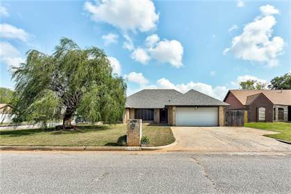 Residential for sale in 3700 Summerwind Court, Oklahoma City, OK, 73179