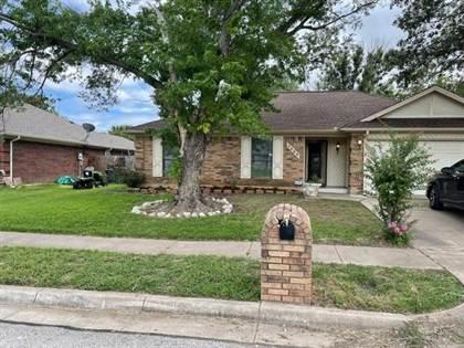 Residential for sale in 1402 Sayles Avenue, Arlington, TX, 76018