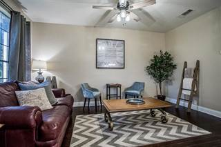 Townhouse for sale in 2731 Olympic Park Drive, Grand Prairie, TX, 75050