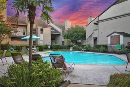 Condominium for sale in 2021 Spenwick Drive 216, Houston, TX, 77055