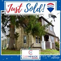 Residential for sale in 10 Shanley Street, Kitchener, Ontario, N2H 5N8