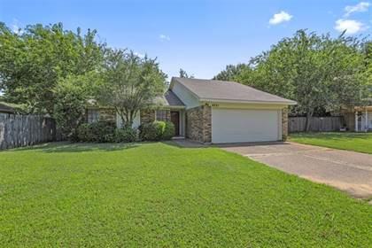 Residential for sale in 6231 Arrowwood Drive, Arlington, TX, 76001