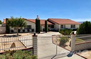 Single-Family Home for sale in 16097 Tude Rd , Apple Valley, CA, 92307