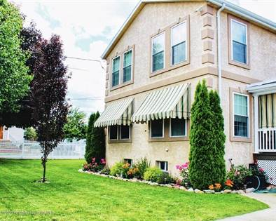 Residential for sale in 531 South St, Throop, PA, 18512