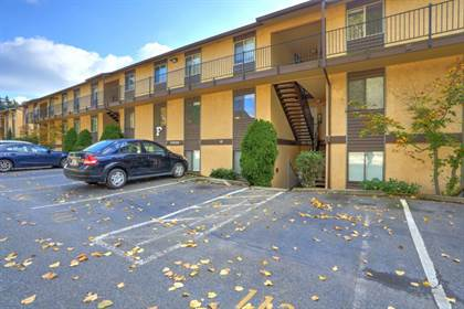 Condominium for sale in 12525 NE 145th Pl F105, Kirkland, WA, 98034