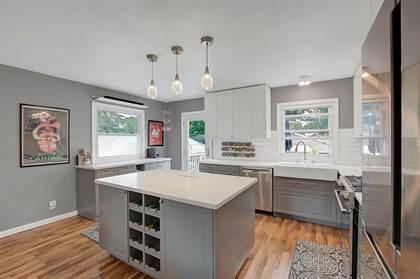 Residential for sale in 639 Monroe Street NE, Minneapolis, MN, 55413