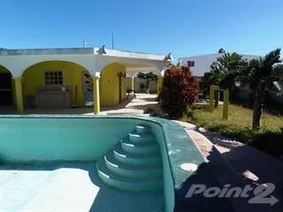 Residential Property for sale in Casa w / Huge Corner Lot, Big Pool & Entertaining Area!, Progreso, Yucatan