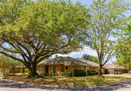 Residential Property for sale in 901 Tulane Drive, Arlington, TX, 76012