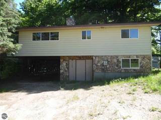 Residential Property for sale in 769 Hillcrest Drive, Colfax, MI, 49601