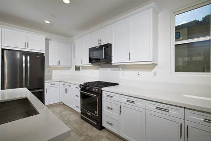 Residential Property for sale in 2756 Via Alta Pl, San Diego, CA, 92123
