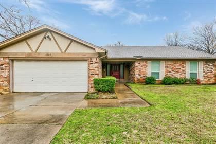 Residential for sale in 5709 Ridge Drive, Arlington, TX, 76016