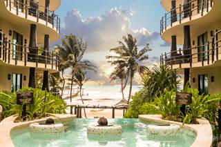 Condo for sale in Downtown Playa del Carmen El Taj on the beach!, Centro, Quintana Roo