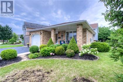 Single Family for sale in 6 OLIVER Court, Kitchener, Ontario, N2N3E7