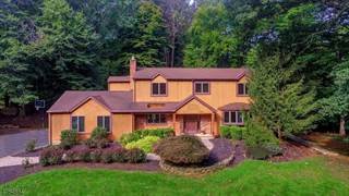 Single Family for sale in 75 Round Top Rd, Warren, NJ, 07059