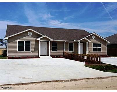 Multifamily for sale in 4050 Camellia St A B, Waveland, MS, 39576