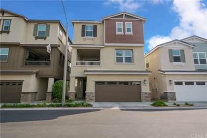 Residential Property for sale in 2566 Lugaro W, Anaheim, CA, 92801