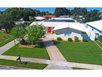 Residential Property for sale in 13829 KIMBERLY DR, Largo, FL, 33774