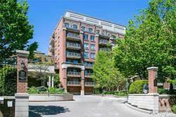 Condominium for sale in 20 Burkebrook Place, Toronto, Ontario, M4G 0A1