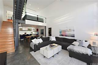 Condo for sale in 950 N Orange Grove Avenue 1, West Hollywood, CA, 90046