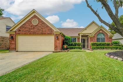 Residential for sale in 1631 Plumwood Drive, Houston, TX, 77014