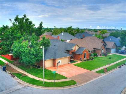 Residential for sale in 8300 NW 107th Street, Oklahoma City, OK, 73162