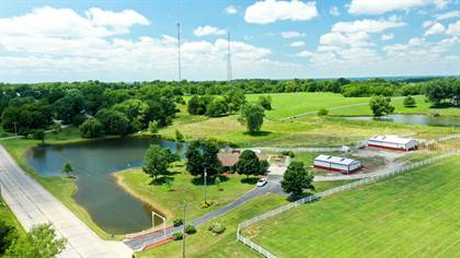 Residential Property for sale in 16306 Logans Lake RD, Boonville, MO, 65233