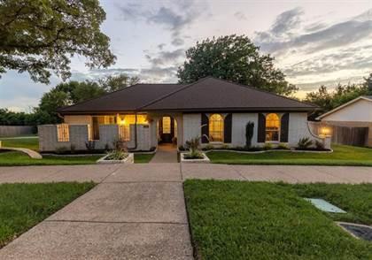 Residential for sale in 1816 Old Oak Drive, Arlington, TX, 76012