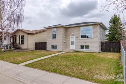 Residential Property for sale in 108 Castlebrook Rise NE, Calgary, Alberta, T3J 1P1