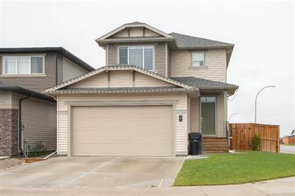 Residential Property for sale in 87 Greywolf Road N, Lethbridge, Alberta, T1H 7E8
