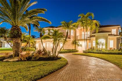 Residential for sale in 11375 Canyon Maple Blvd, Davie, FL, 33330