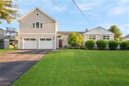 Residential for sale in 50 Houston Avenue, Seaweed Beach, RI, 02882