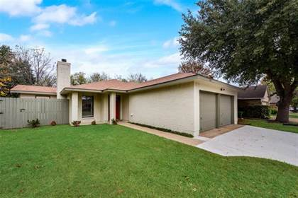 Residential Property for sale in 105 Caprock Drive, Arlington, TX, 76018