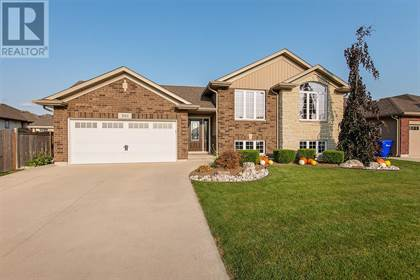Single Family for sale in 301 HOMESTRETCH DRIVE, St. Clair, Ontario