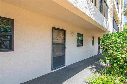 Residential Property for sale in 11485 OAKHURST ROAD B104, Largo, FL, 33774