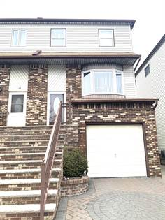 Residential Property for sale in 24 Cottonwood Court, Staten Island, NY, 10308