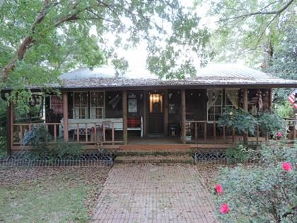 Residential for sale in 706 Jones Ave, Wiggins, MS, 39577