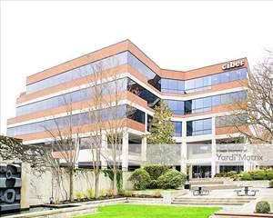 Office Space for rent in Plaza Yarrow Bay - 10210 NE Points Drive #200, Kirkland, WA, 98033