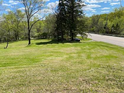 Lots And Land for sale in 615 Roselawn Avenue W, Roseville, MN, 55113