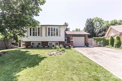 Residential Property for sale in 18 Cheltonwood Court, Hamilton, Ontario, L8G 3Z2