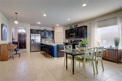 Residential for sale in 6812 Glen Eagle Drive, Arlington, TX, 76001