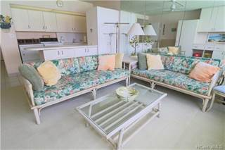 Condo for sale in 2500 Kalakaua Avenue 1006, Honolulu, HI, 96815