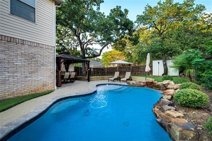Residential for sale in 5605 Chimney Rock Drive, Arlington, TX, 76017