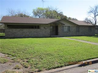 Single Family for sale in 1213 W Avenue J, Shiner, TX, 77984