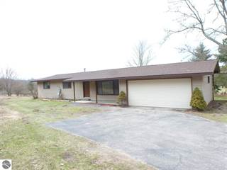 Single Family for sale in 8549 Fairway, Beulah, MI, 49617